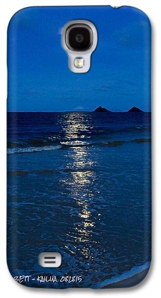 Moon Over Kailua Galaxy S4 Case by Robert Abbett