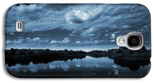 Light Galaxy S4 Case - Moonlight Over A Lake by Jaroslaw Grudzinski