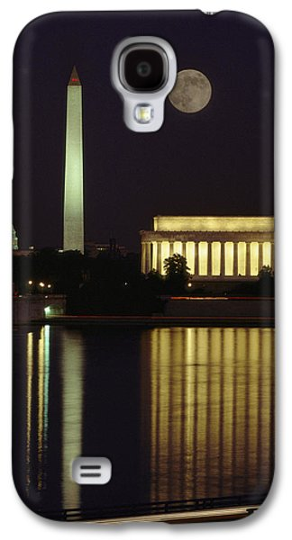 Lincoln Memorial Galaxy S4 Case - Moonrise Over The Lincoln Memorial by Richard Nowitz