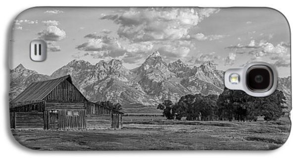 Mormon Row Farm In Black And White Galaxy S4 Case by Andres Leon