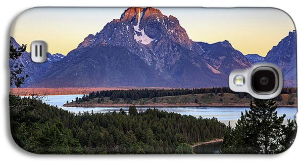 Galaxy S4 Case featuring the photograph Morning At Mt. Moran by David Chandler