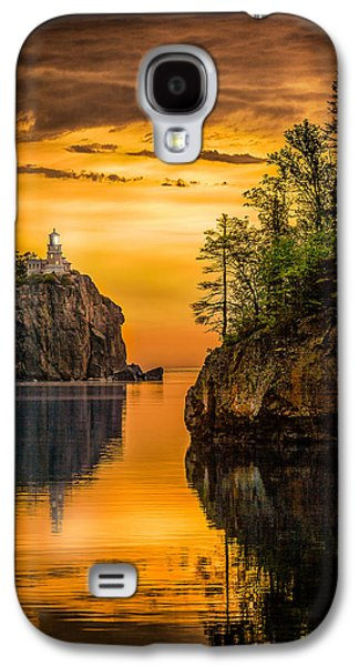 Galaxy S4 Case featuring the photograph Morning Glow Against The Light by Rikk Flohr