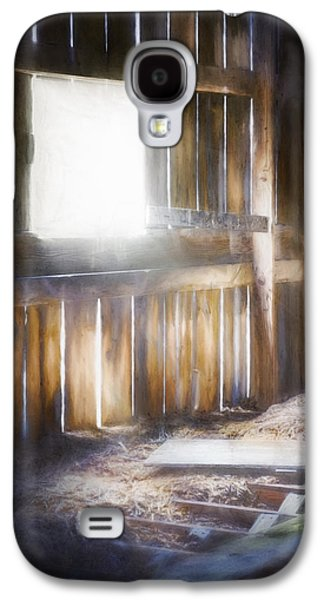 Morning Sun In The Barn Galaxy S4 Case by Scott Norris