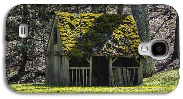 Mossy Manger In Spring Galaxy S4 Case by Bill Cannon