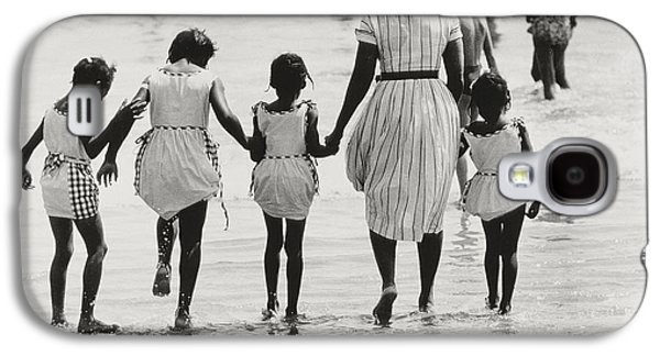 Mother And Four Daughters Entering Water At Coney Island Galaxy S4 Case by Nat Herz