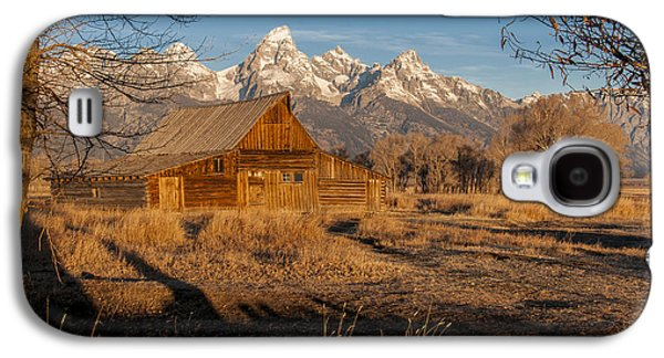 Galaxy S4 Case featuring the photograph Moulton Barn by Gary Lengyel