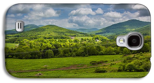 Mountain Field Of Greens Galaxy S4 Case