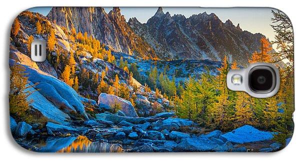 Mountainous Paradise Galaxy S4 Case by Inge Johnsson