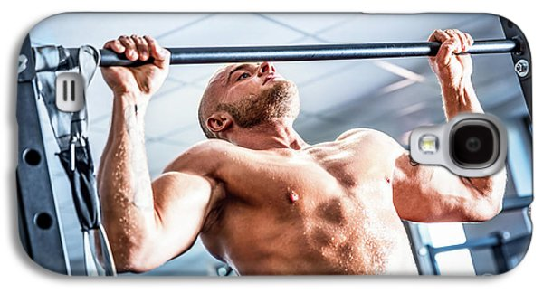 Muscular Strong Man Training At A Gym. Galaxy S4 Case