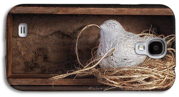 Nesting Bird Still Life II Galaxy S4 Case by Tom Mc Nemar