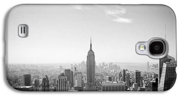 Building Photographs Galaxy S4 Cases - New York City - Empire State Building Panorama Black and White Galaxy S4 Case by Thomas Richter