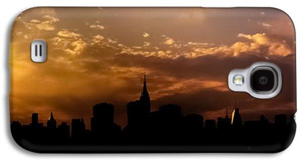 City Sunset Galaxy S4 Case - New York City Skyline At Sunset Panorama by Vivienne Gucwa