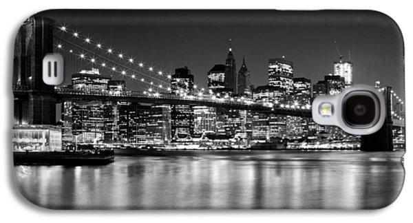 Night Skyline Manhattan Brooklyn Bridge Bw Galaxy S4 Case by Melanie Viola
