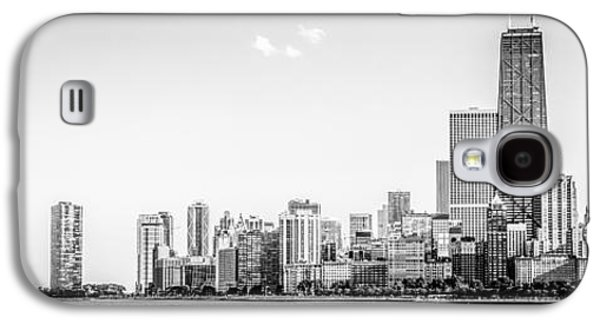 Hancock Building Galaxy S4 Case - North Chicago Skyline Panorama In Black And White by Paul Velgos