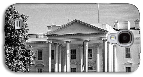 Whitehouse Galaxy S4 Case - north facade of the White House with flag flying Washington DC USA by Joe Fox