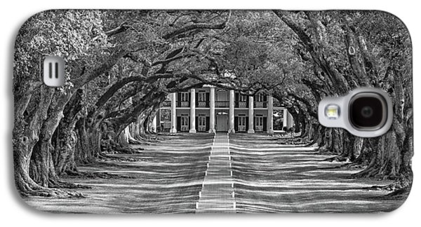 Oak Alley Evening Bw Galaxy S4 Case by Steve Harrington