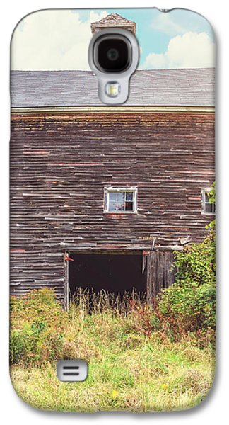 Old Barn In The Sun Galaxy S4 Case by Edward Fielding