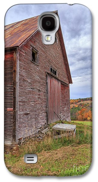 Old Barn Jericho Hill Vermont In Autumn Galaxy S4 Case