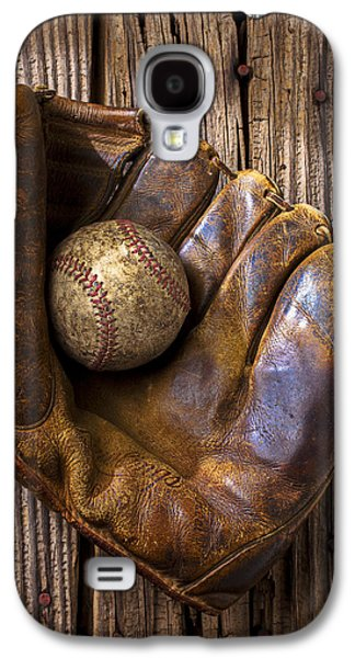 Old Baseball Mitt And Ball Galaxy S4 Case by Garry Gay