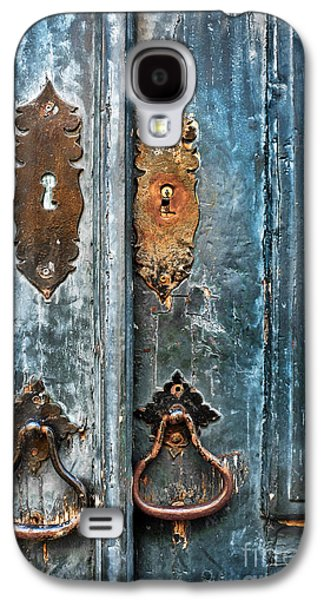 Old Blue Door Galaxy S4 Case by Carlos Caetano