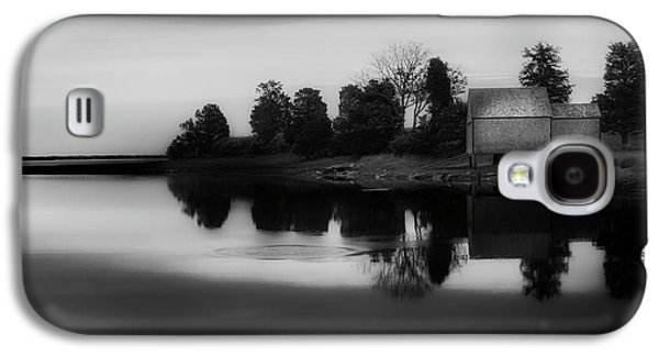 Galaxy S4 Case featuring the photograph Old Cape Cod by Bill Wakeley