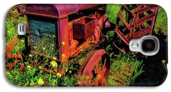 Old Fordson Tractor Galaxy S4 Case by Garry Gay