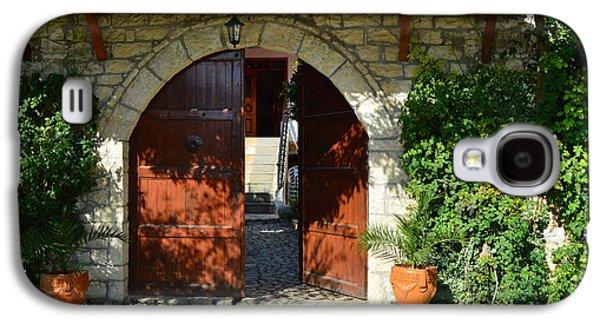 Old House Door Galaxy S4 Case by Nuri Osmani