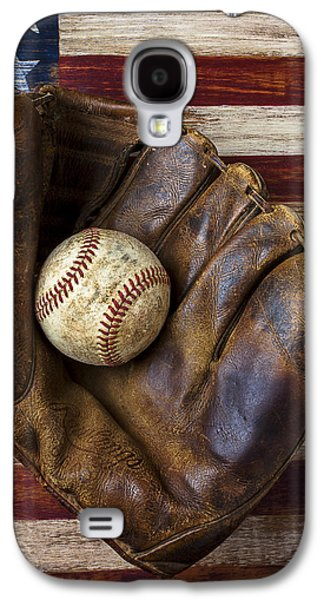 Old Mitt And Baseball Galaxy S4 Case by Garry Gay