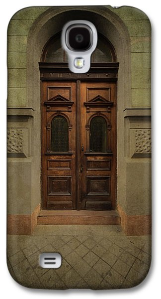 Old Ornamented Wooden Gate In Brown Tones Galaxy S4 Case