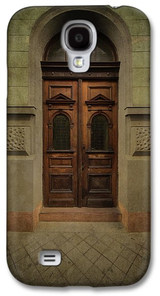Old Ornamented Wooden Gate In Brown Tones Galaxy S4 Case by Jaroslaw Blaminsky
