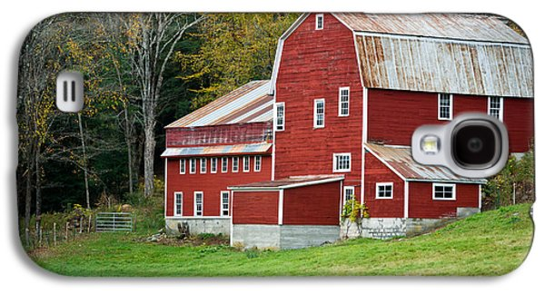 Old Red Vermont Barn Galaxy S4 Case by Edward Fielding