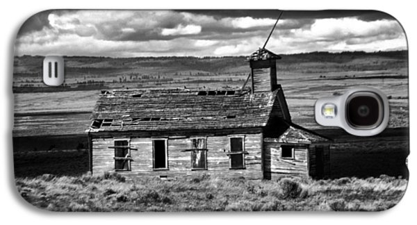 Old School House Bickelton Wa Black And White Galaxy S4 Case