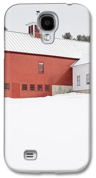 Old Traditional New England Farm In Winter Galaxy S4 Case
