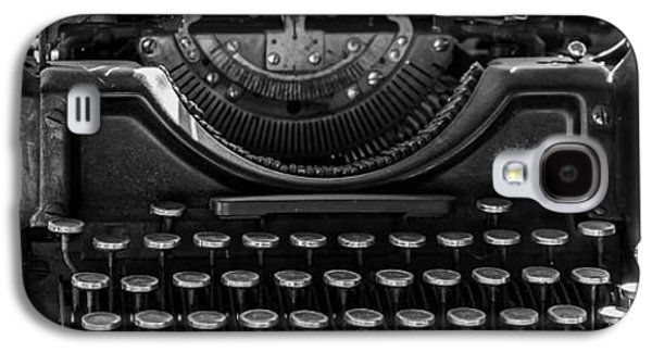 Old Typewriter Galaxy S4 Case by Thomas Young
