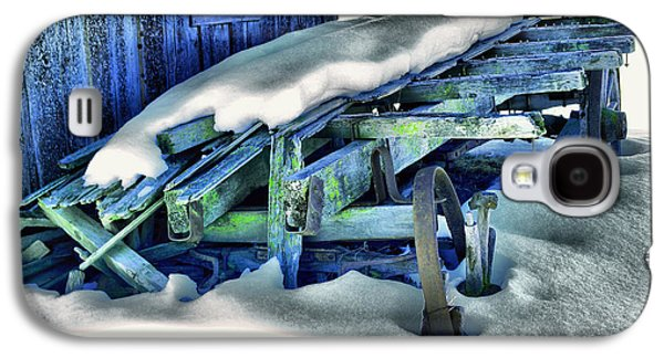 Old Wagan In The Snow Galaxy S4 Case by Jeff Swan