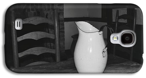 Old Water Pitcher - Black And White Galaxy S4 Case by Cindy Nearing