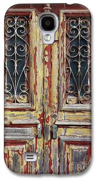 Old Wooden Doors Galaxy S4 Case by Carlos Caetano
