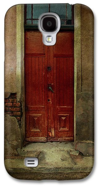Old Wooden Gate Painted In Red  Galaxy S4 Case