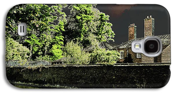 Galaxy S4 Case featuring the photograph On Golden Pond by Bill Swartwout Fine Art Photography
