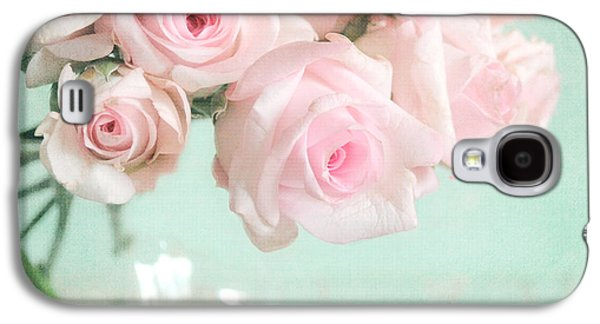 Pale Pink Roses Galaxy S4 Case by Lyn Randle