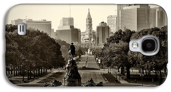 Philadelphia Benjamin Franklin Parkway In Sepia Galaxy S4 Case by Bill Cannon
