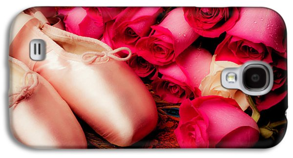 Pink Slippers And Red Roses Galaxy S4 Case by Garry Gay