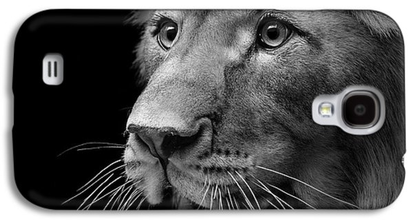 Lion Galaxy S4 Case - Portrait Of Lion In Black And White II by Lukas Holas