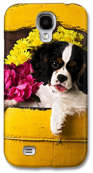 Puppy In Yellow Bucket  Galaxy S4 Case by Garry Gay