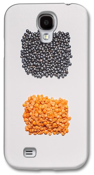 Minimalist Galaxy S4 Case - Red And Black Lentils by Scott Norris