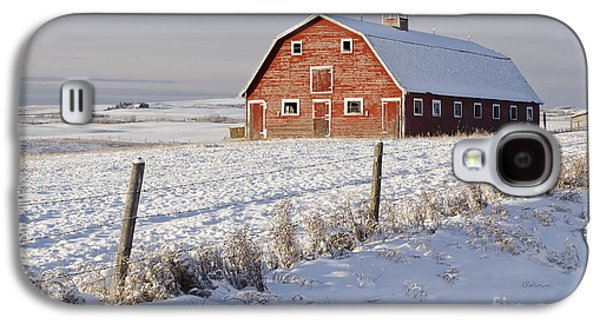 Red Barn In Winter Coat Galaxy S4 Case
