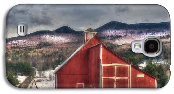 Red Barn On Old Farm - Stowe Vermont Galaxy S4 Case by Joann Vitali