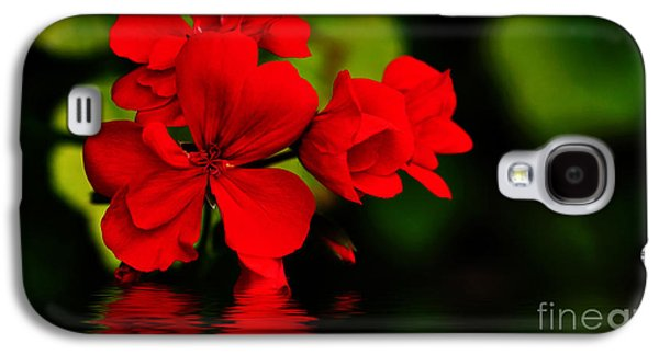 Red Geranium On Water Galaxy S4 Case