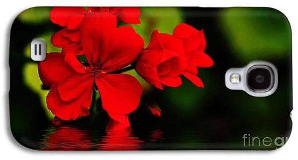 Red Geranium On Water Galaxy S4 Case