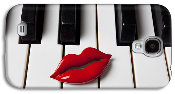 Red Lips On Piano Keys Galaxy S4 Case by Garry Gay